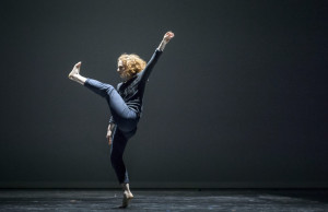 Ririe-Woodbury Dance Company, Mary Lyn Graves. Photo by Stuart Ruckman.